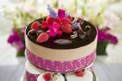 dort k nakrojení - ovoce, květiny, glazura